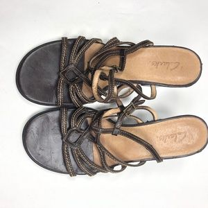 Womens 8 M Clarks Sandals 2.5″ Wedge Heels Leather